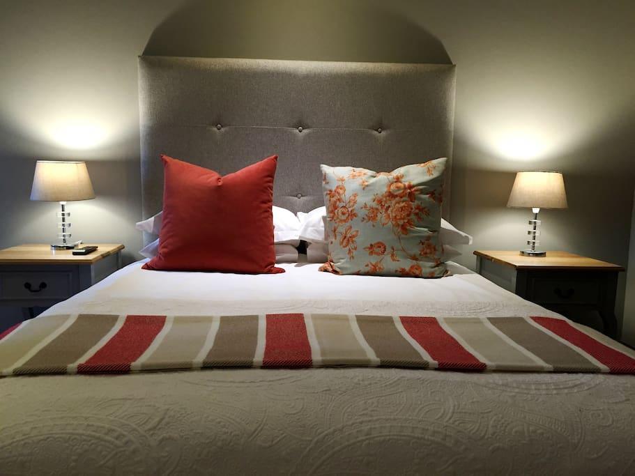 Main guesthouse - Stylish comfort