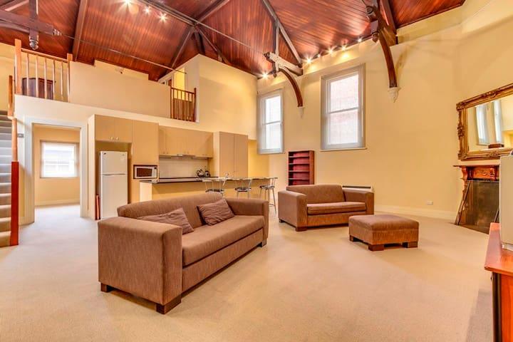 Central loft apartment in the city heart - Launceston - Appartement