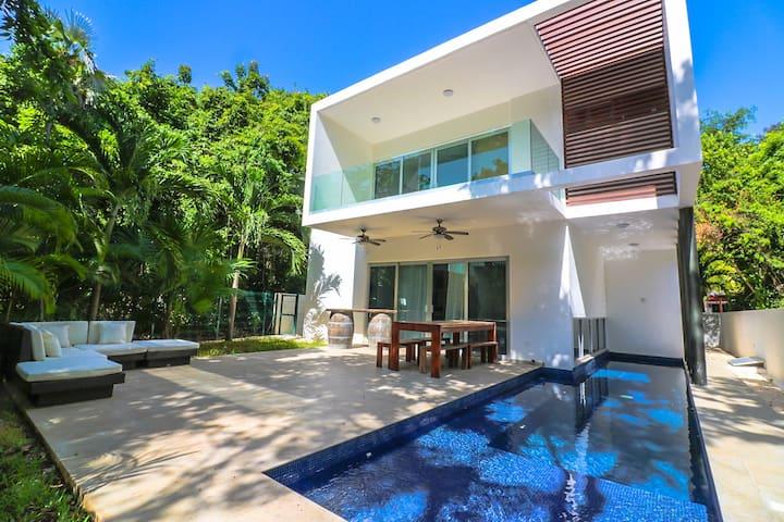 Modern 6BR/7BD w/ private pool near beach  WiFi+AC