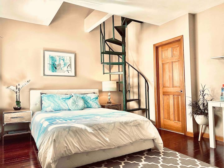 Modern Large & Spacious Room only 15 min to Boston