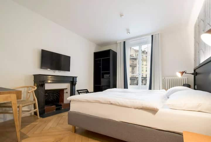 Spacious & Cosy Double Room - Geneva Heart '2