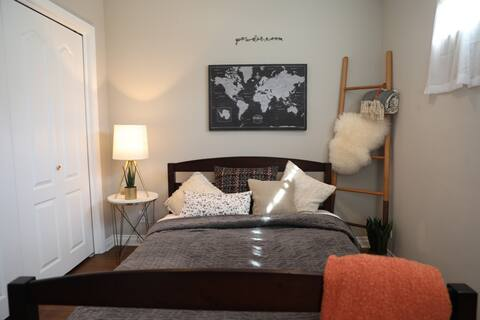 Bright & Charming 1BR Guest House - Baldwin Hills!