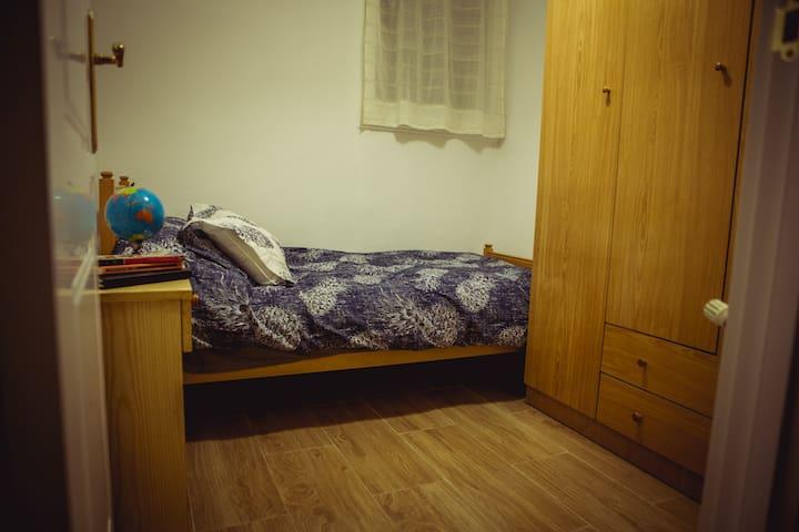 Cómoda habitación en Fuencarral - Madrid - Pis