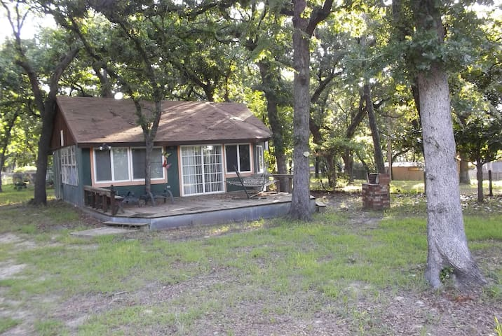 Texoma Cabin on a Hill