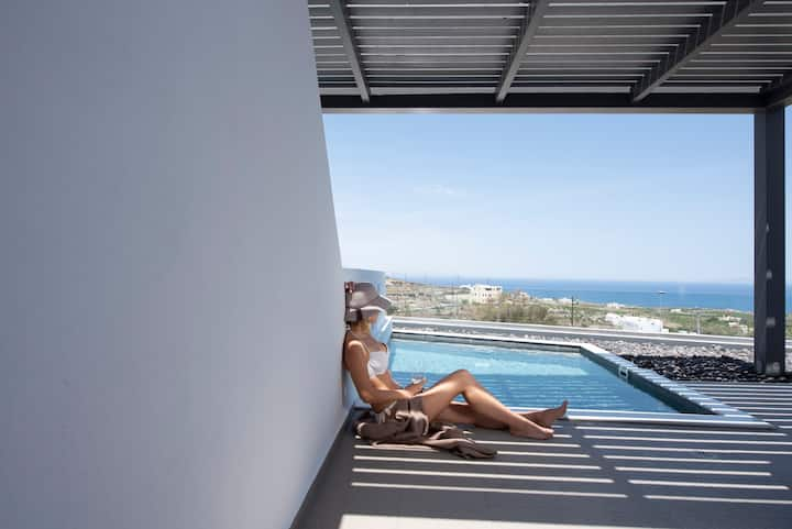 Valery Two Bedroom Suite R heated pool-sea view
