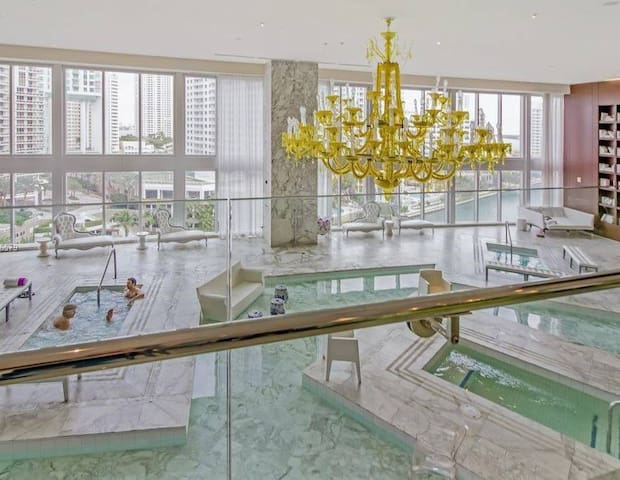 IconBrickell Waterfront Luxury 2Beds w BayView