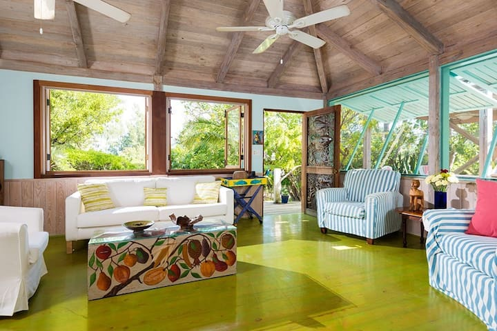 Artists bungalows in a garden oasis yoga deck 190 pace path to Grace Bay... - Providenciales - Huis
