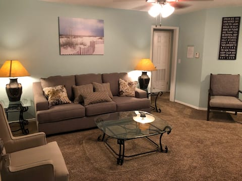 Quiet Apartment at Enid Westwind - 1