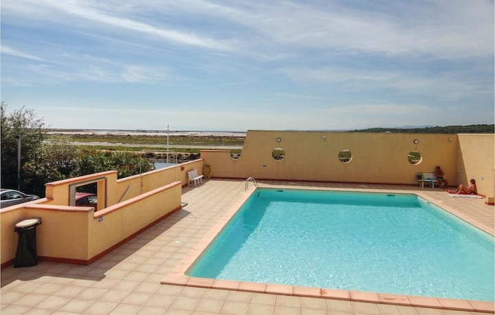 Awesome home in Gruissan with Outdoor swimming pool and 1 Bedrooms