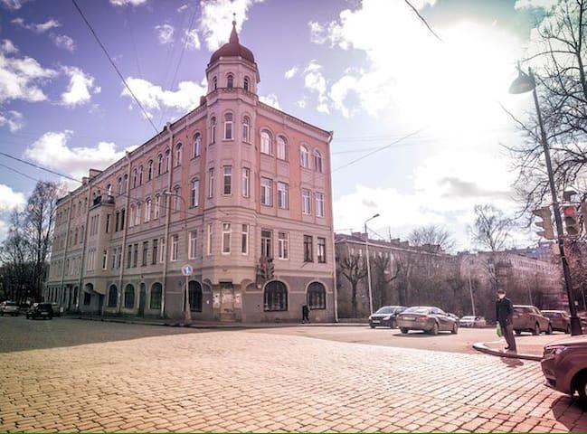 С видом на замок - Vyborg - Apartment