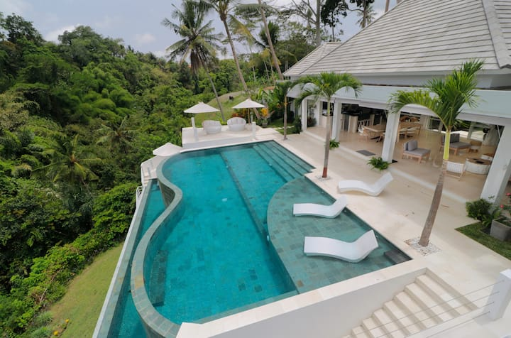 Magical Jungle Villa, 4 BR, Ubud w/ staff