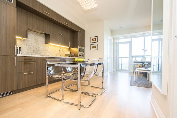 ✦✦Luxury 1bed, Beautiful View + Parking / Subway