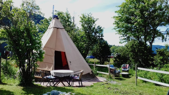 Tipi close to the beach with beautiful sunsets..