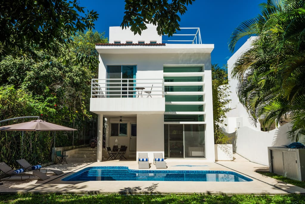 Amazing private villa close to the beach villas for rent for Villas quintana roo