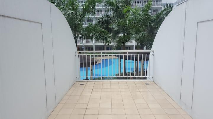 BIGGGG Balcony, NEW UNIT. Shell Residence MOA.