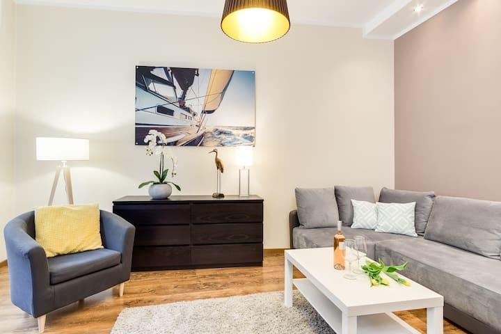 7M Apartment