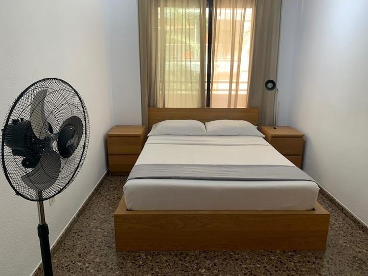 Moderna y luminosa habitación en Benimaclet
