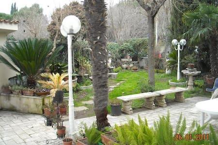 Villa Ventura - Tivoli Terme - Bed & Breakfast