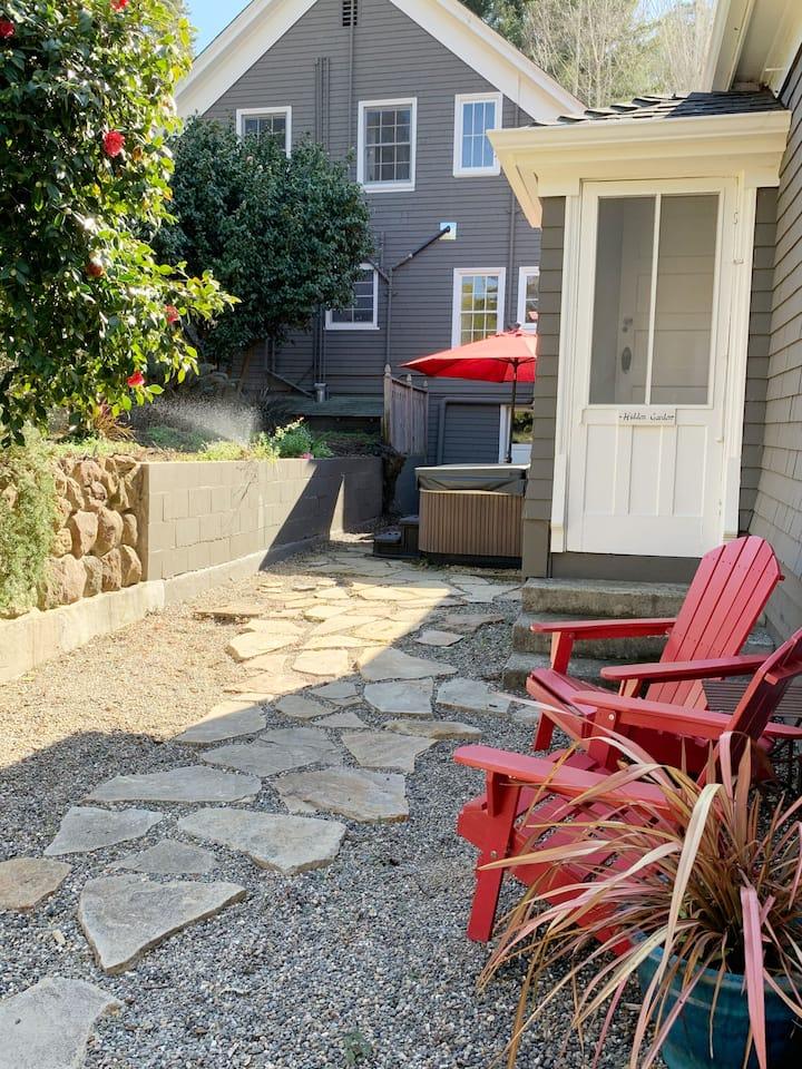 The Hidden Garden Suite at Sand Rock Farm