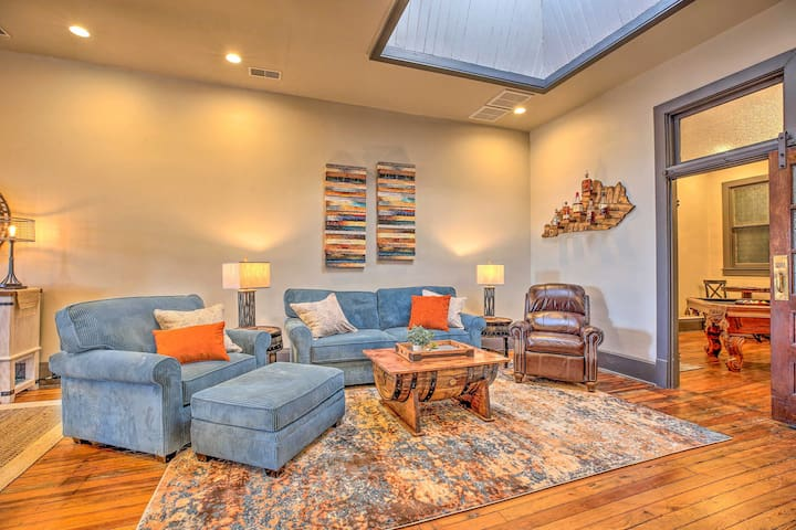 NEW! Modern 'Bourbon Barrel' Loft in Historic Dwtn