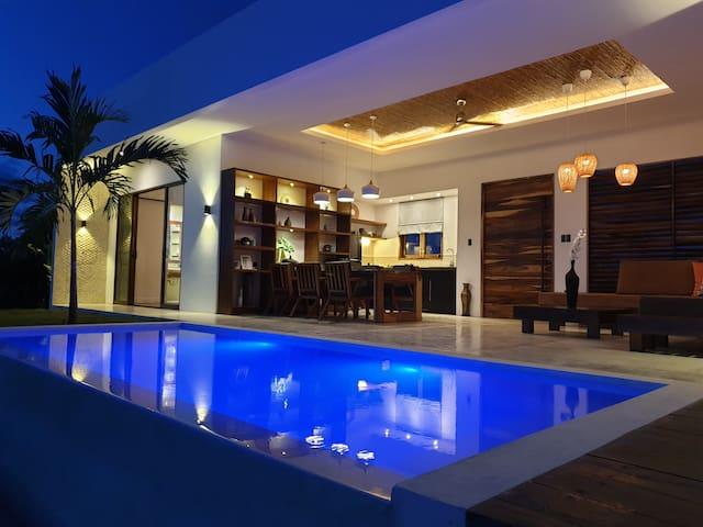2 Bedroom Grand Garden Villa & Infinity Pool