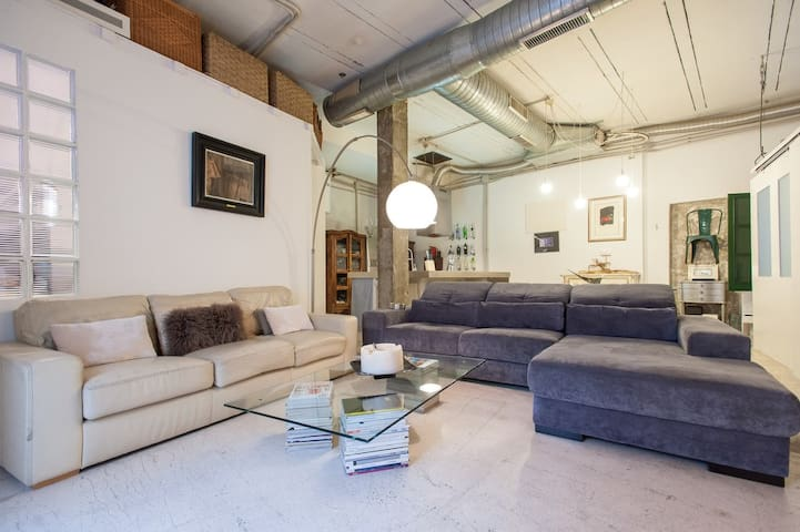 2BR LOFT SOHO, WIFI, PARKING, DOWNTOWN