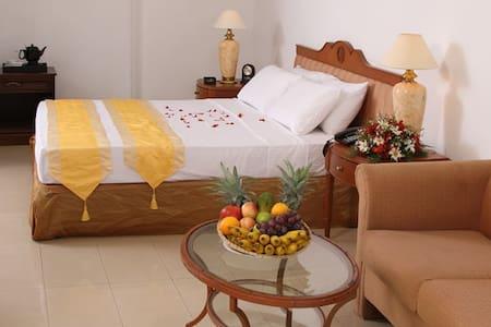 Airport Transit Hotel & Hostel - Ja-Ela - Boutique hotel
