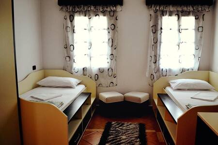 Hotel Belgrad Mangalem 1 - Berat - ที่พักพร้อมอาหารเช้า