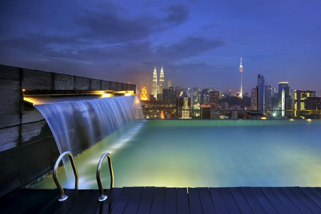 Amazing Roof Top Swimming Pool View