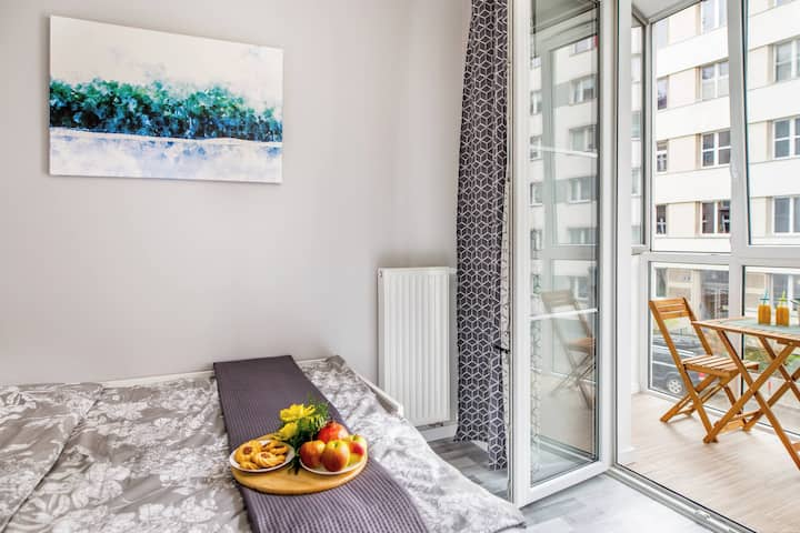 Lea - 5 mins tram from Main Square (3 bedrooms) #1