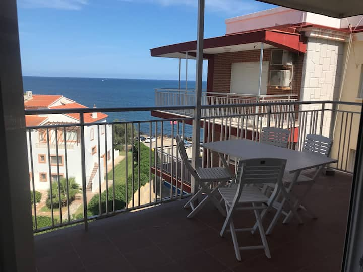 Stunning Denia beach-front sea view apartment