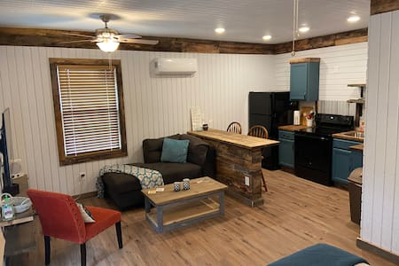 The Getaway Guesthouse - Country living near MTSU