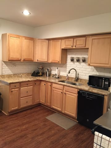 Spacious 1BR in Norwood - Norwood - House