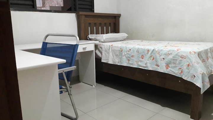 Casa do Michel com quarto para descanso/trabalho!