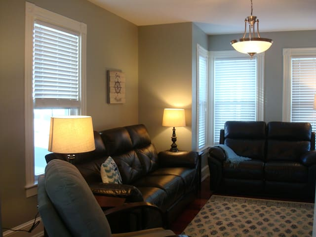 Lovely 4 Bedroom, 2 Bath Condo.  Walk to downtown!