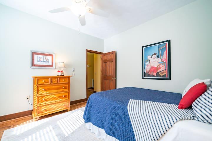 Second bedroom with queen bed.