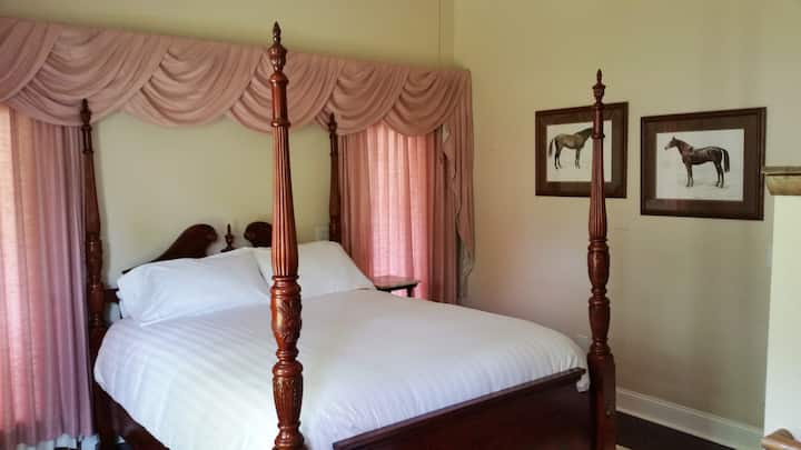 Coach House Room at the 1898 Red Bud B & B