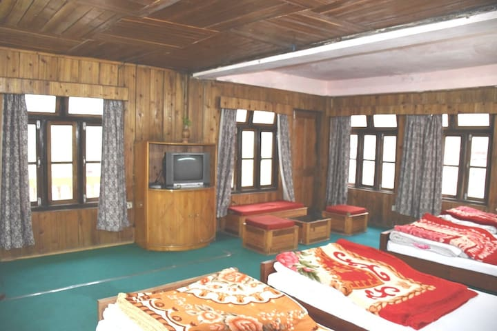 Lolegaon Homestay (Quad Room) Himalayas wilderness