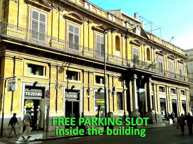 Apartment with Parking at the Teatro Massimo