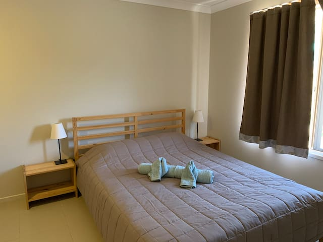 Cosy Bedroom (Ensuite) - Shared Living & Kitchen