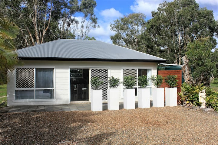 Semi Rural Retreat on Noosa's Doorstep - Cooroibah - Appartement