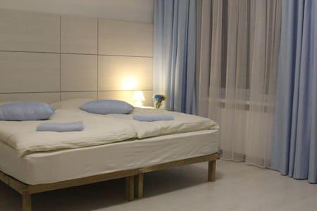 Комната в отеле, залив Днепра, спокойный отдых - Ukrainka