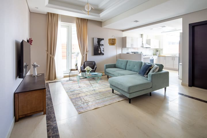 Elegant 2BR Loft in the Heart of Downtown Dubai!