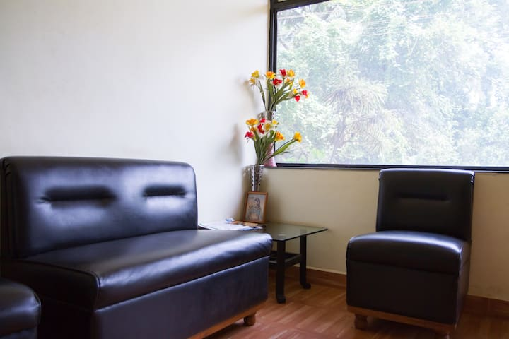 AC Rooms near the beach in Calangute Best Location - Calangute - Bed & Breakfast