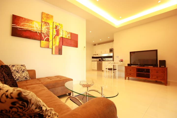 Cozy Spacious Apartment in Bang Sarey - Sattahip