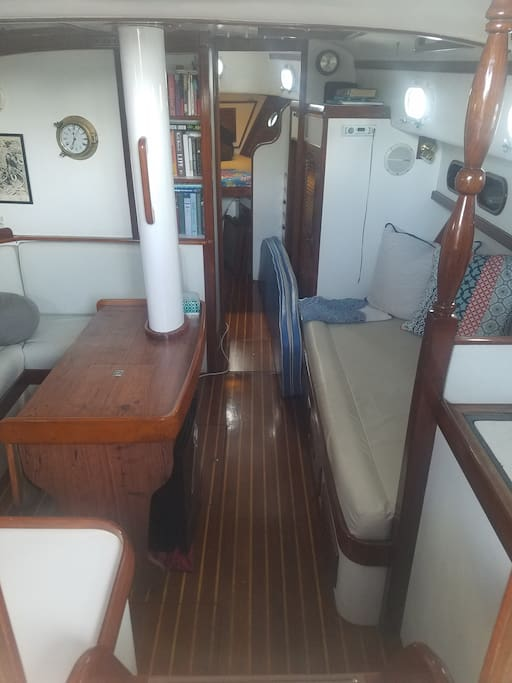 Forward Cabin-Mid bunk to the right. Settee to the left.