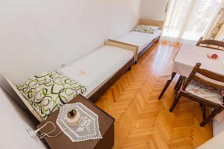 Spacious bedroom for 2 person
