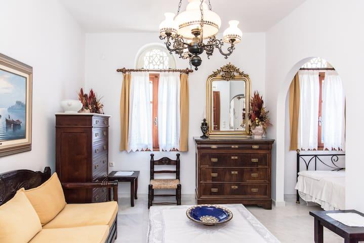 Luxurious 2 Floor Residence, Pyrgos Village