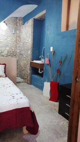 Habitación Rosas - Con baño privado