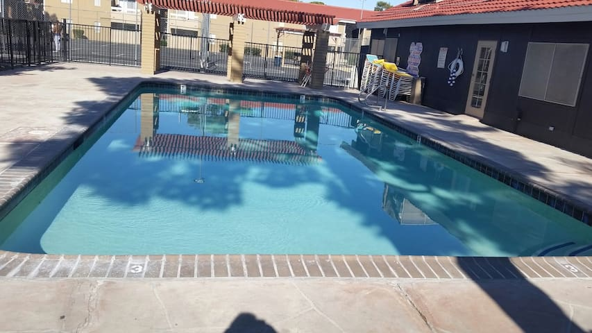 convenient apartment near airport and strip - Las Vegas - Casa